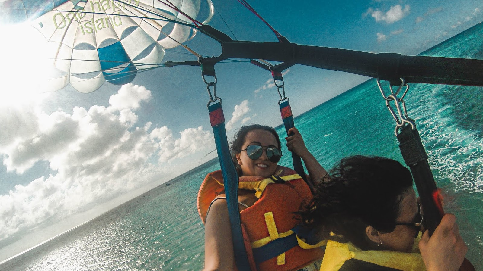 Parasailing in Aruba