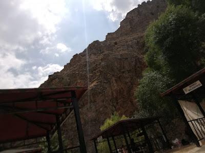 Homurlu Şelalesinde Piknik