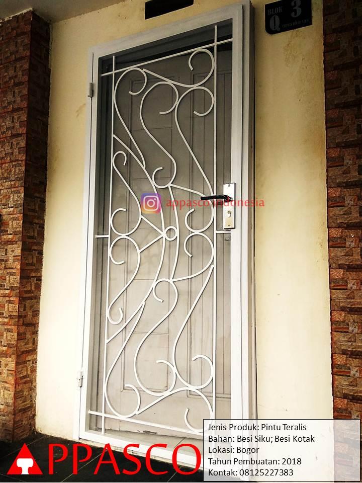Pintu Teralis Besi Motif Keren Unik di Bogor