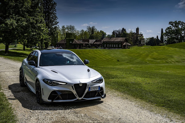 Alfa Romeo venderá só carros 100% elétricos a partir de 2027