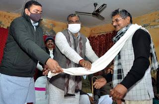 राज्यमंत्री व पूर्व सांसद ने पत्रकार राममूर्ति यादव को किया सम्मानित    #NayaSaberaNetwork
