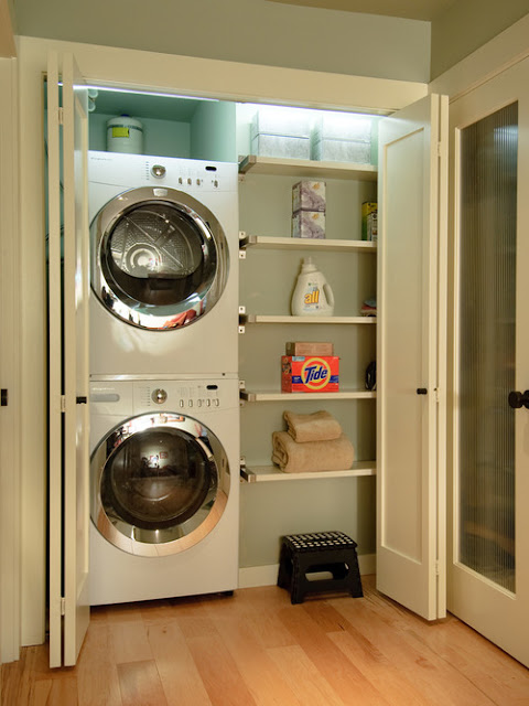 Small Laundry Room 1