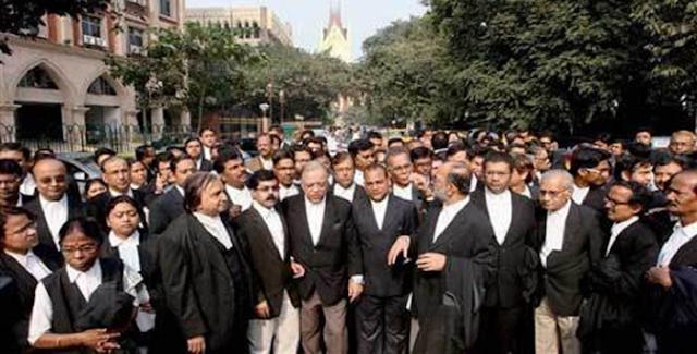 इंदौर हाईकोर्ट के 2 जजों के खिलाफ निंदा प्रस्ताव पारित, 10 को बहिष्कार होगा | INDORE NEWS