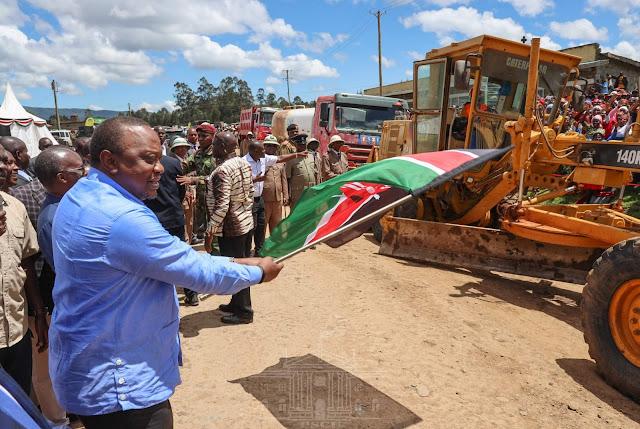 President Uhuru Kenyatta launching Naivasha-Njabini road construction. PHOTO | PSCU
