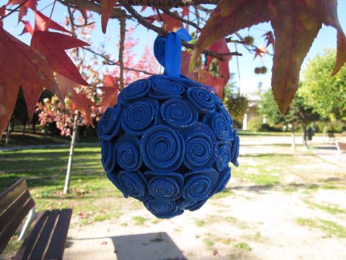 Bolas de flores en goma eva