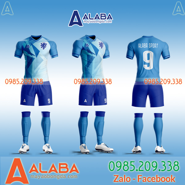 Áo bóng đá màu xanh tự thiết kế