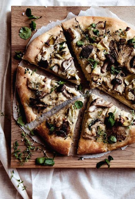 wild mushroom and artichoke flatbread pizza