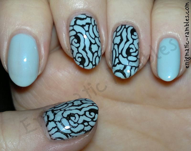 light-blue-floral-flowers-stamped-stamping-nails-nail-art-barry-m-blue-moon-bornprettystore03-bps03