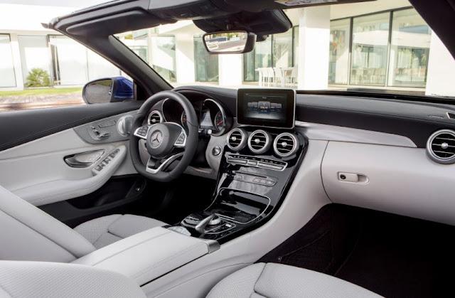 2017 Mercedes-Benz SL Class Interior