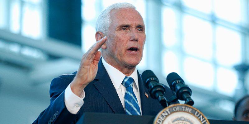 """Pence lanza campaña en Miami """"Latinos por Trump"""" contra el socialismo y por el muro"""