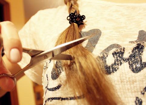 Co zrobić żeby włosy szybciej rosły? Czy obcinanie włosów przyspiesza ich wzrost? Rozdwojone końcówki