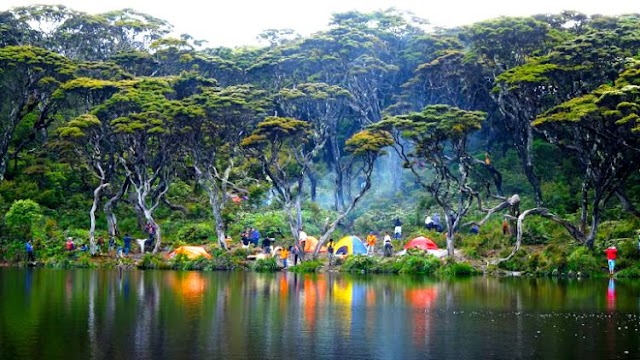 Telaga Dewi, Surga Tersembunyi Dibalik Gunung Singgalang
