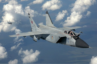 Pesawat Jet Mig-31 Milik Rusia cegat Pesawat Pengintai AS