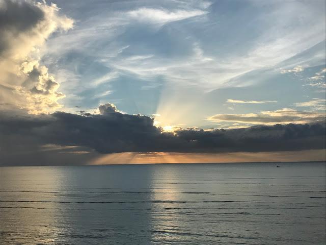Início do Pôr-do-Sol na Duna do Pôr-do-Sol - Jericoacoara - Ceará - Praia