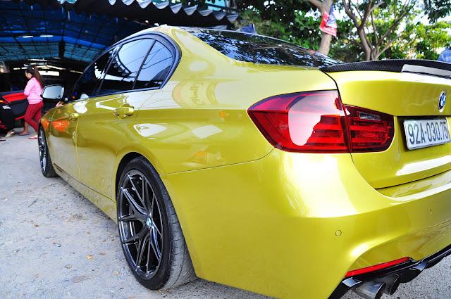 """Tại Sài Gòn BMW 320i """"dát vàng"""" đẹp lạ với nhà độ xe quận 7"""