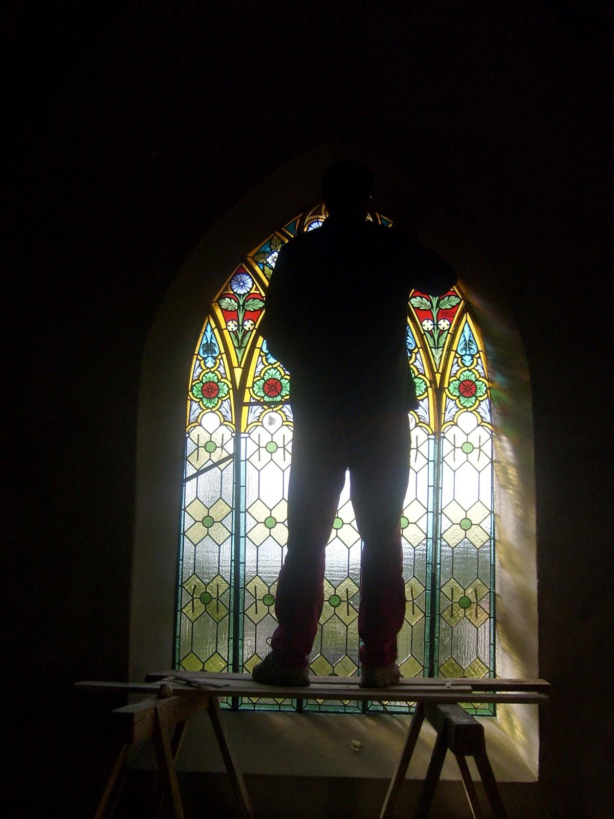 restaurování vitráží - figurální malba