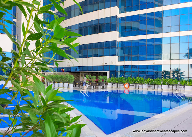 Novotel Al Barsha swimming pool