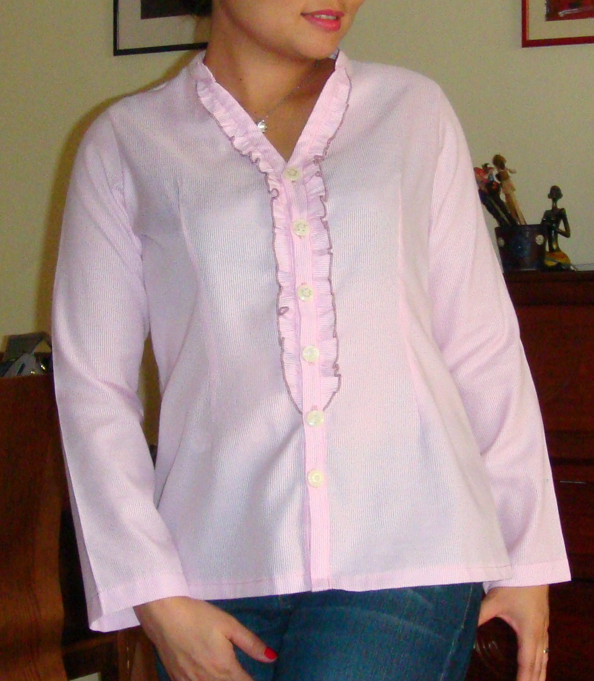 http://velvetribbonsew.blogspot.com/2012/03/woman-long-sleeve-ruffled-blouse.html