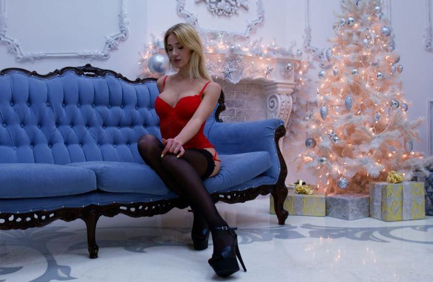 https://www.glamourcams.live/chat/BelindaRaggas