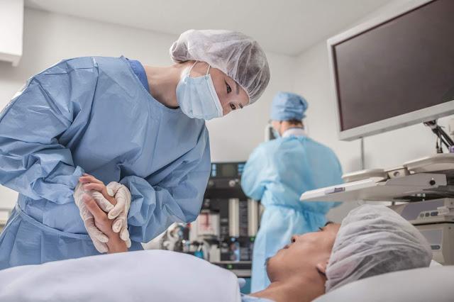 didukung dengan alat medis tercanggih dan lebih dari 450 dokter spesialis yang profesional