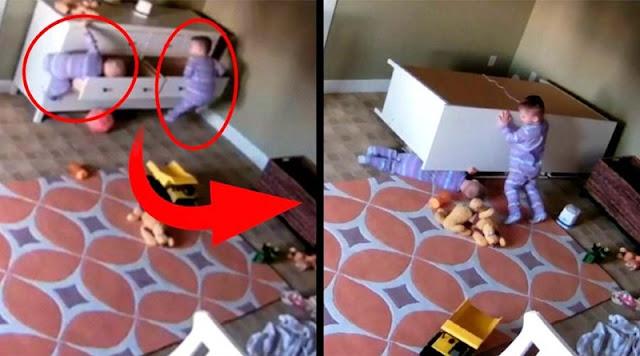 2-летний ребенок спас своего брата-близнеца, на которого упал комод