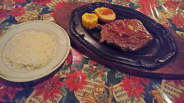 リブロースステーキの写真