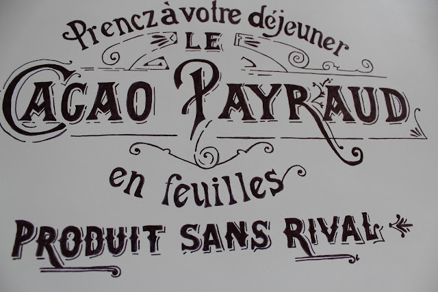 DIY Sharpie Craft project for the house. Stencil a vintage French graphic onto a tray. See the easy tutorial!