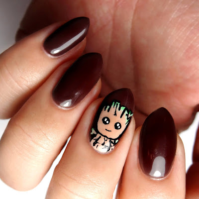 Baby Groot Nails