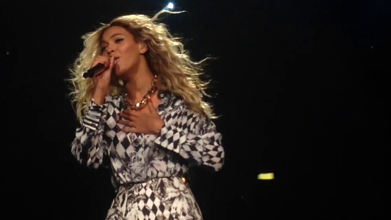 Beyonce Sings New Track XO Live For The First Time (VIDEO)