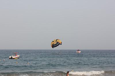 الرياضات المائية تنتشر في الإمارات