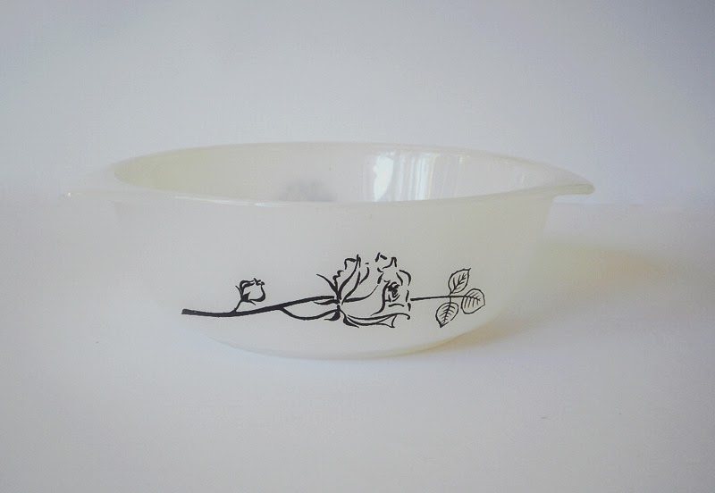 Agee Pyrex casserole dish in black rose pattern