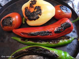Legume coapte la gratar reteta de casa rosii si ardei copti la grill sau tigaie retete pentru fripturi si gratare,
