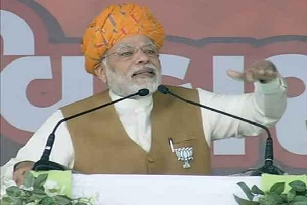pm-narendra-modi-banaskantha-rally-live-attack-congress-on-flood