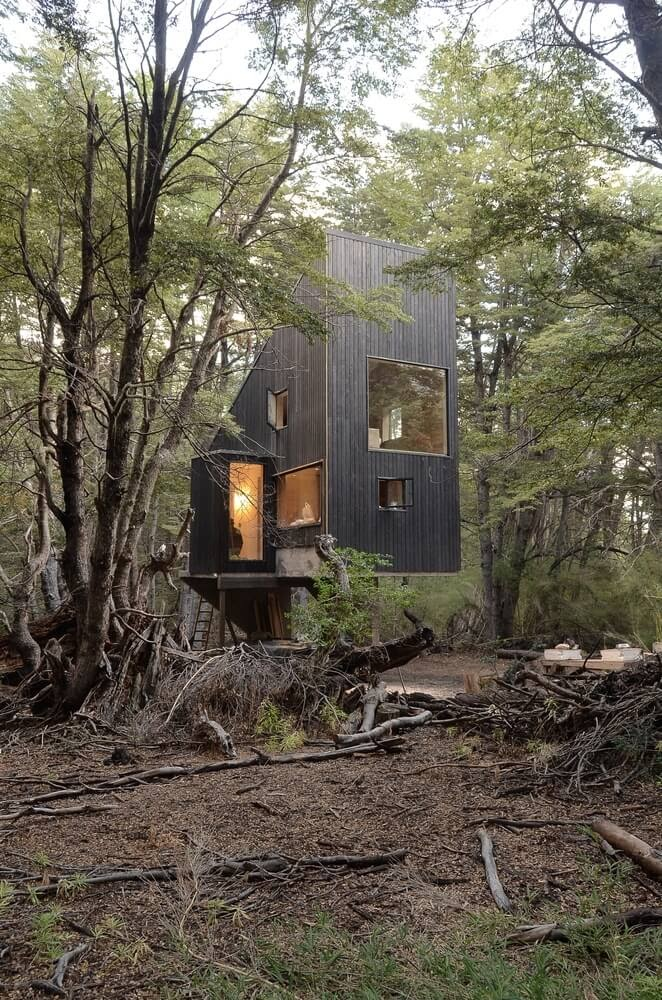 07-In-the-Forest-DRAA-Architects-Shangri-La-Cabin-Architecture-in-the-Woods-www-designstack-co