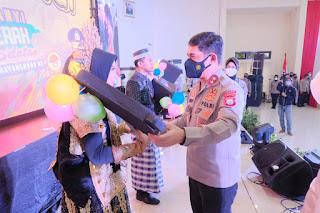 Grand Final Lomba Lagu Daerah Sulsel Meriahkan Hari Bhayangkara ke-75, Utusan Polres Bulukumba Bawa Pulang Piala Bergilir Kapolda Sulsel