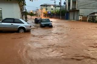 http://vnoticia.com.br/noticia/4337-chuva-forte-causa-alagamentos-e-deslizamentos-em-itaperuna