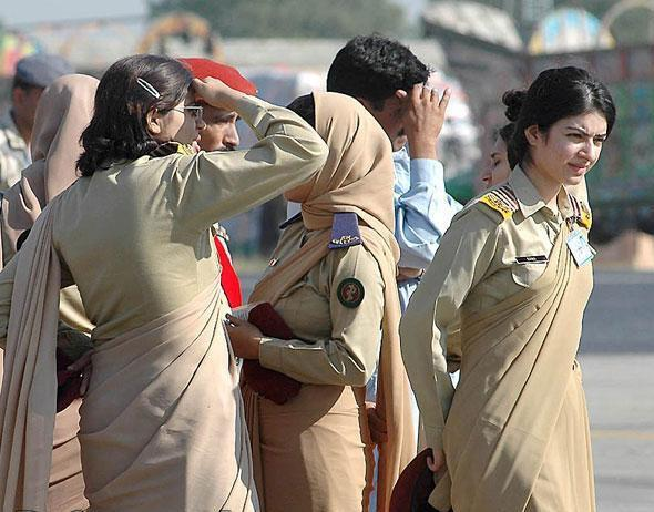 Pak Army Lady Pics: All Latest Wallpapers: Pakistan Army Female Officers