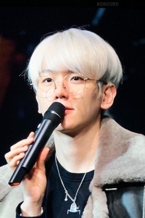 [PANN]Yüzü acıdığı için hayran buluşmasına makyajsız giden Baekhyun