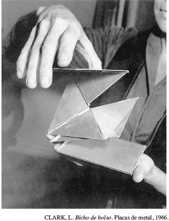 Resultado de imagem para CLARK, L. Bicho de bolso. Placas de metal, 1966.