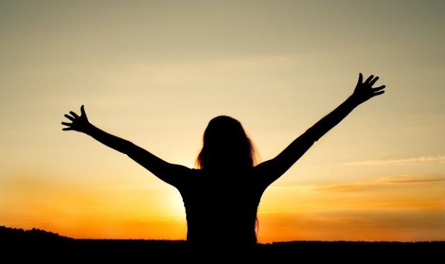 11 Cara meningkatkan rasa percaya diri agar menjadi orang sukses