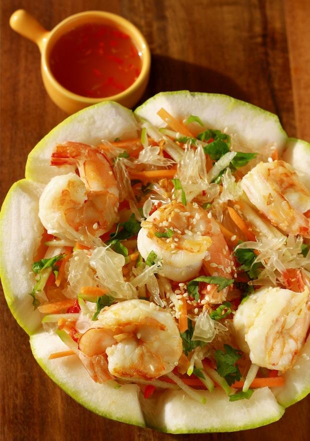 Goi Buoi Tom Vietnamese pomelo salad with shrimp