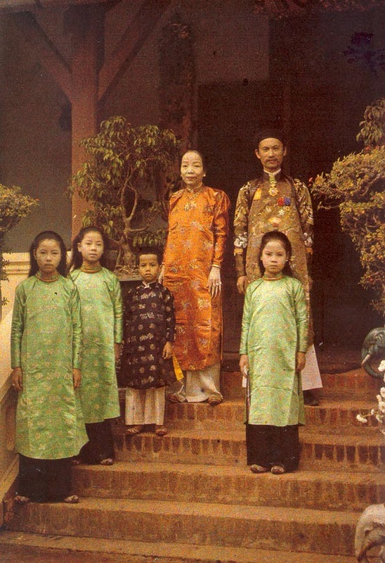 rare color photographs capture everyday life in hanoi  vietnam in 1915