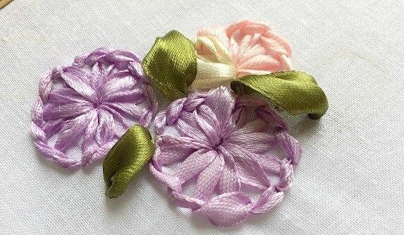 Thêu mũi buttonhole bằng ruy băng - Hình 1