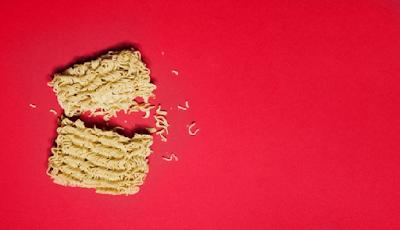 Dampak buruk terlalu sering mengonsumsi mie instan bagi kesehatan