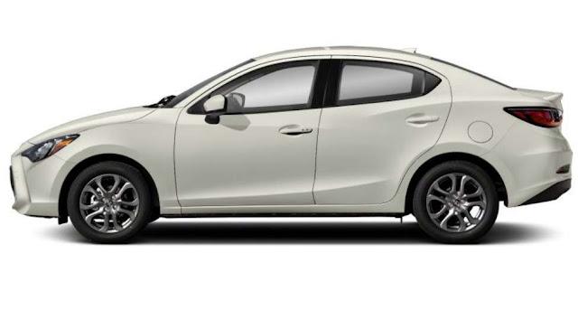 sedan-toyota-yaris-wheels-tires