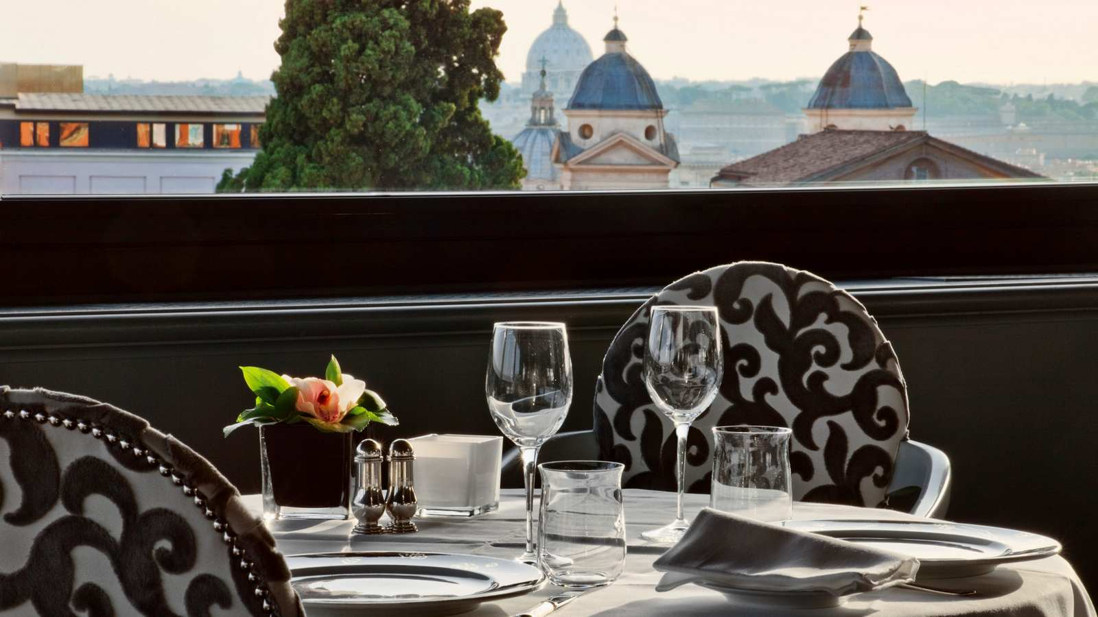 Luxury Hotels Red Haute Rome