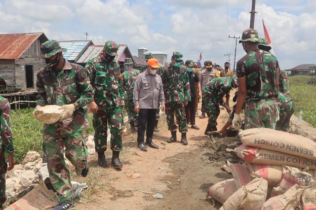 Kasrem 101 Kolonel Inf Parulian Marpaung Kunjungi Lokasi TMMD Desa Sarang Burung