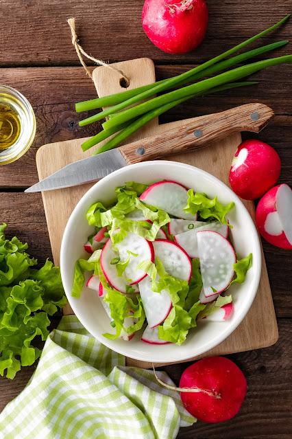 Rábanos con Salsa de Cebolla