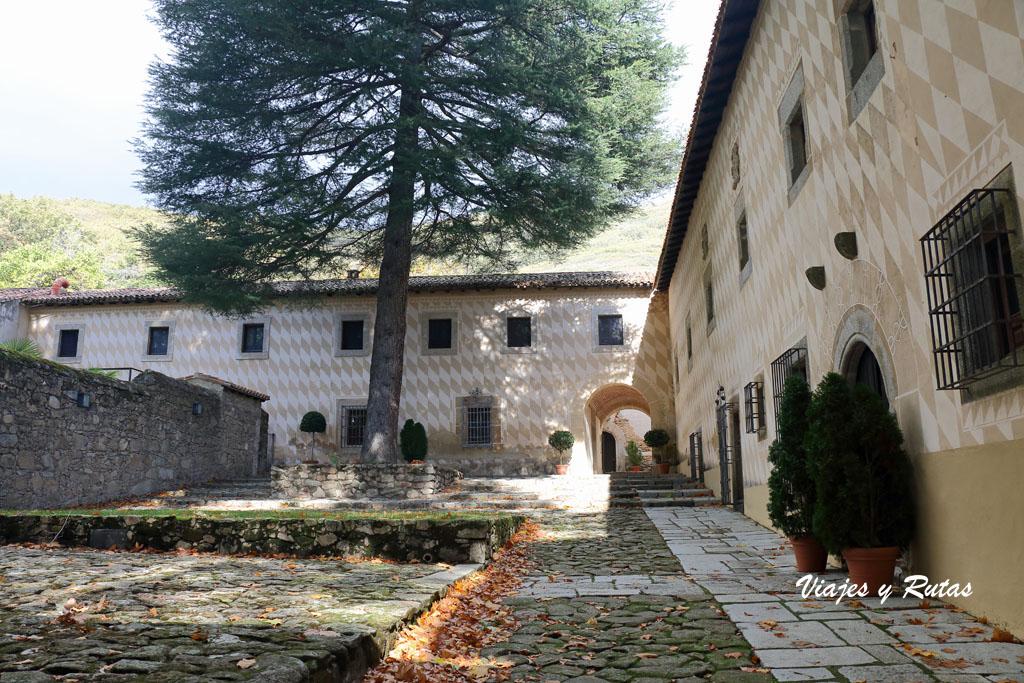 Acceso al Monasterio de Yuste