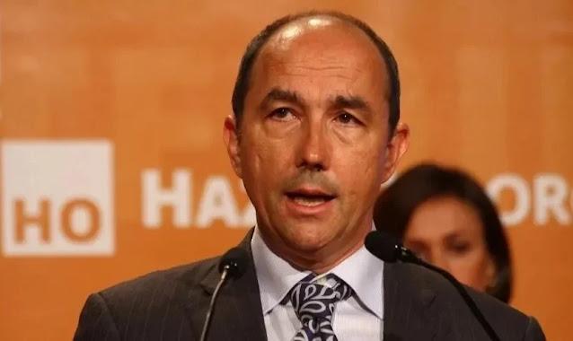 """Deputado espanhol é bloqueado na internet por dizer que """"homem não pode engravidar"""""""